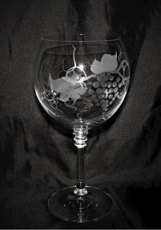 sklenice na červené víno motiv víno