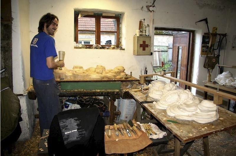 Uměleckořemeslné práce ve dřevě