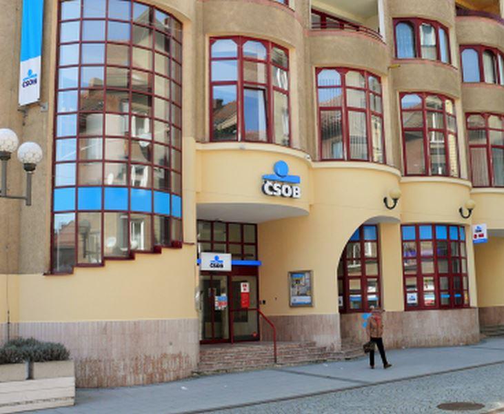Finanční centrum Era a Poštovní spořitelna Opava - fotografie 1/4