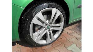 Čištění litých kol a regenerace pneumatik