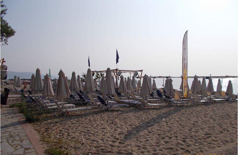 pláž v Nea Vrasně