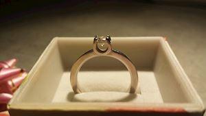 Zásnubní prsten, bílé zlato 14 ct, hmotnost 2 g, 1x briliant 3,5 mm