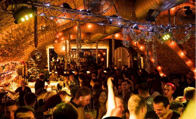 Nebe Cocktail & Music Bar Křemencova - fotografie 10/12