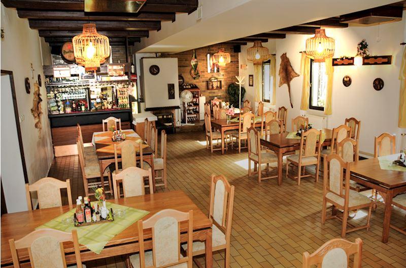 Hotel*** a lesní restaurant Lipovka - fotografie 10/15
