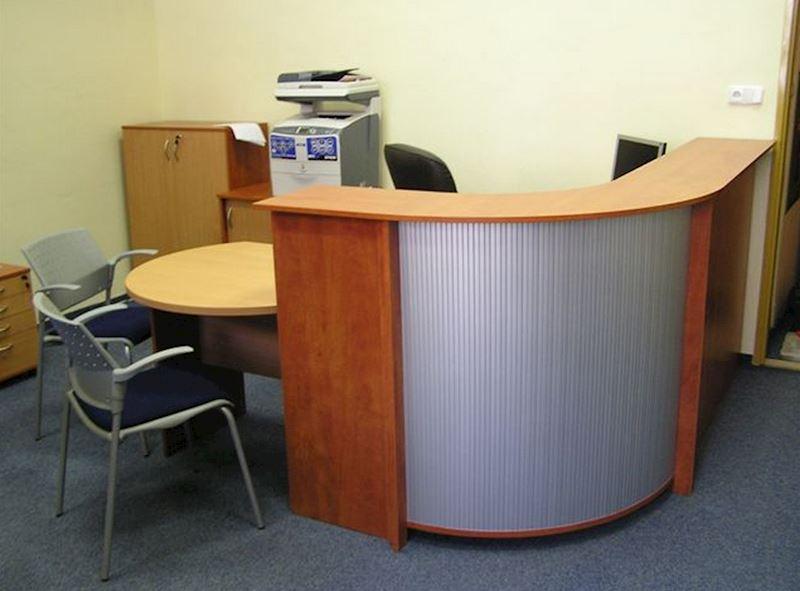 Recepce OFFICE v provedení lamino buk/calvados/roleta