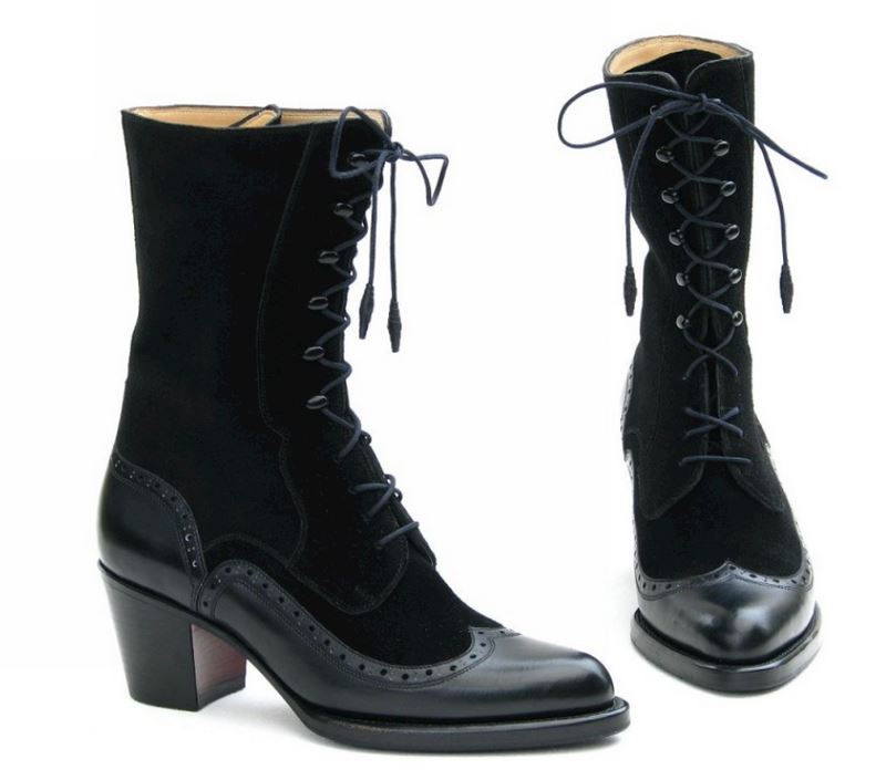 Dámské vysoké šměrovací boty.