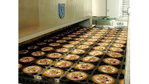 Výroba dortů a muffinů ve formách