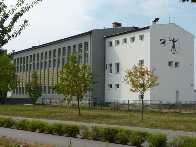 Základní škola Pardubice-Ohrazenice, Trnovská 159 - fotografie 4/10