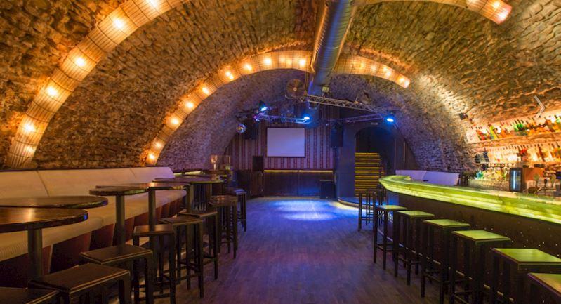 Nebe Cocktail & Music Bar Křemencova - fotografie 12/12
