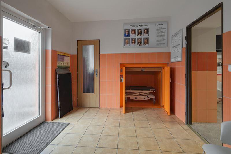 Výtah pro pacienty na operační sál
