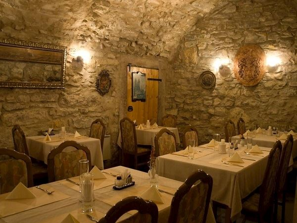 Restaurace a vinárna U Laury - fotografie 2/3