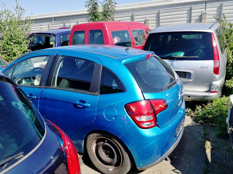 ZEMPRON s.r.o. - autovrakoviště Citroën a Peugeot Třebíč - fotografie 9/23