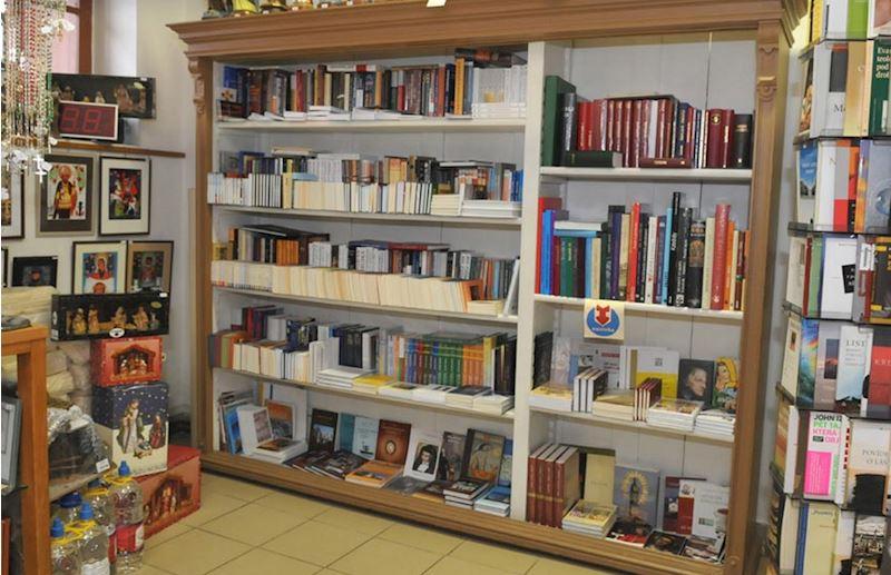 Donum - knihkupectví a prodejna církevních potřeb - fotografie 5/5