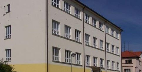 Obchodní akademie, Střední odborná škola a Střední odborné účiliště, Třeboň, Vrchlického 567 - fotografie 1/20
