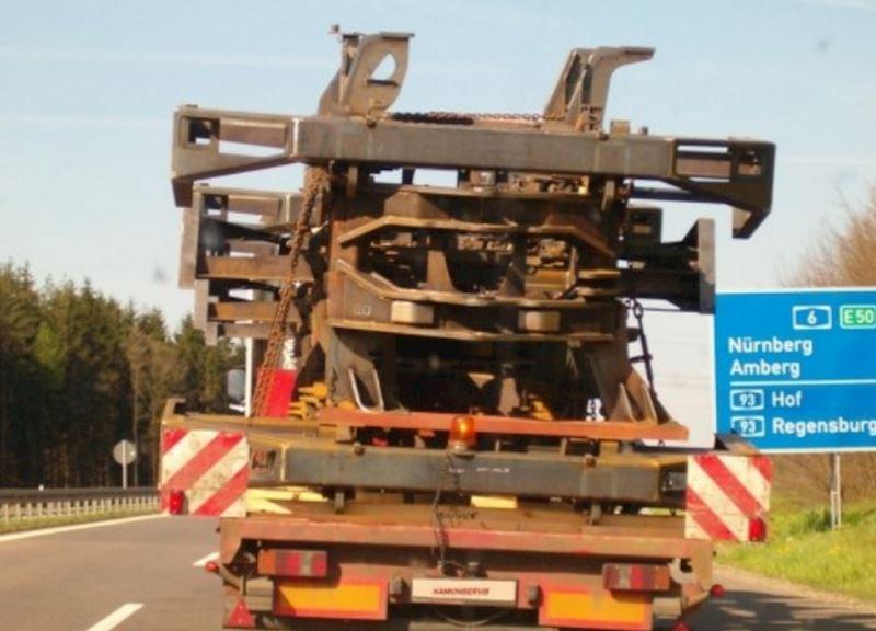 KAMIONSERVIS Praha, a.s. - mezinárodní kamionová přeprava - fotografie 10/23