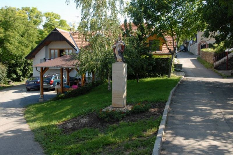 Velké Bílovice - městský úřad - fotografie 10/20