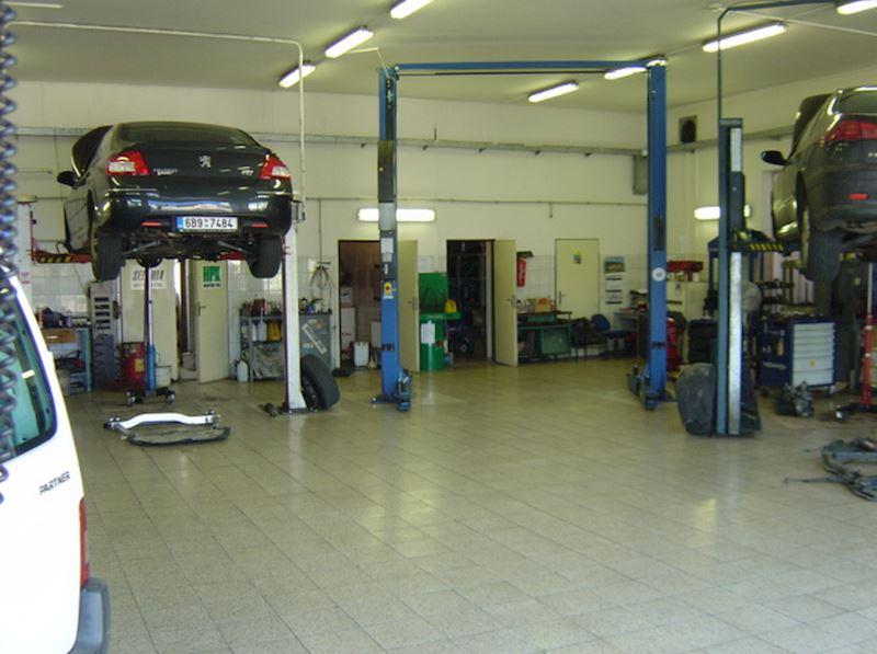 Autoservis Peugeot Jonal, spol. s r.o. - fotografie 11/16