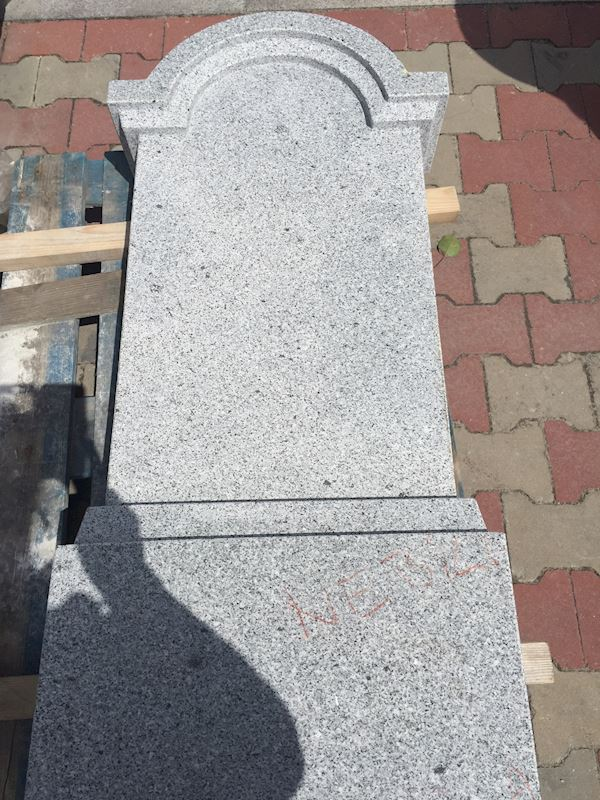Kamenictví Honzík- pomníkové díly, kamenné parapety, kuchyňské desky Příbram, Dobříš, Březnice - fotografie 74/97